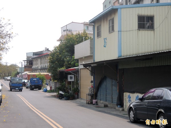 北港巿區防汛道路短短兩公里,住戶地址的路名竟多達四個。(記者陳燦坤攝)