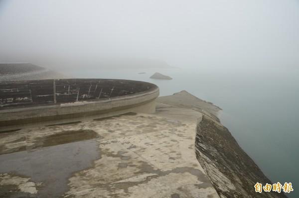 山區降雨量少,南化水庫還是很渴。(記者吳俊鋒攝)