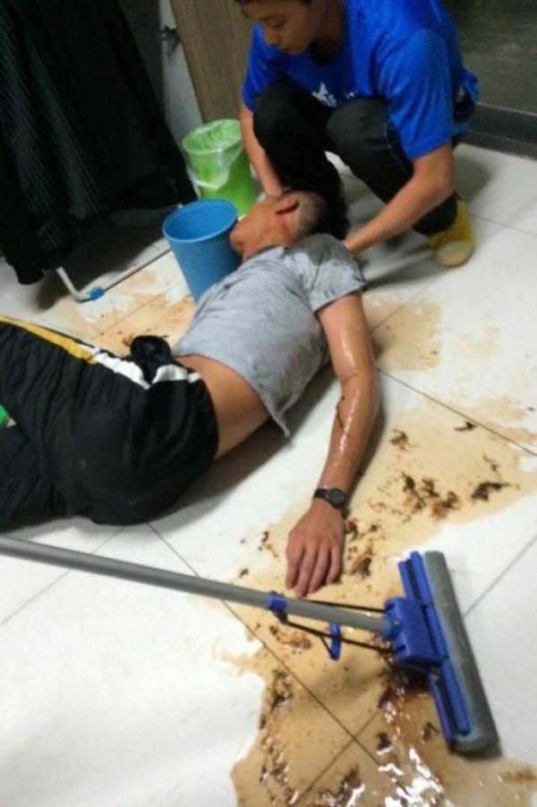 東華大學林姓大一生,被學長灌酒,凌晨四點回宿舍不斷嘔吐。(翻攝畫面)☆飲酒過量  有害健康  禁止酒駕☆