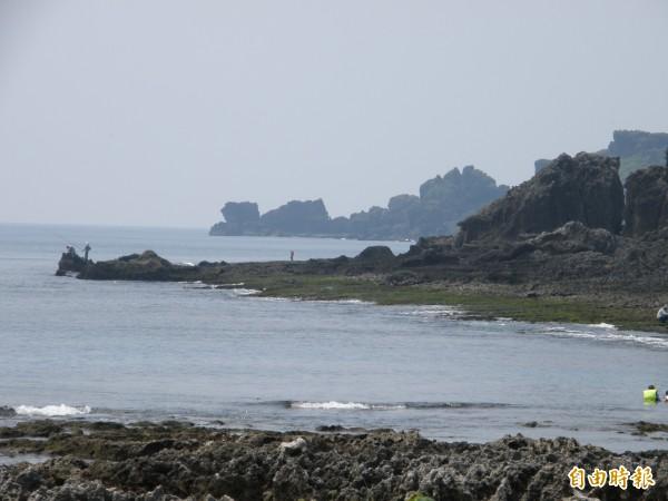 墾丁丁自31年前成為國家公園後,規定民眾必須依法申請許可,才能於當地釣魚,但多年來始終無人申請。(資料照,記者湯佳玲攝)