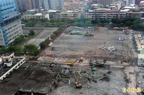 內湖花市舊址在去年5月拆除後,原本規畫雲端產業園區,現在則打算開發成打造成人工溼地公園。(資料照,記者張嘉明攝)