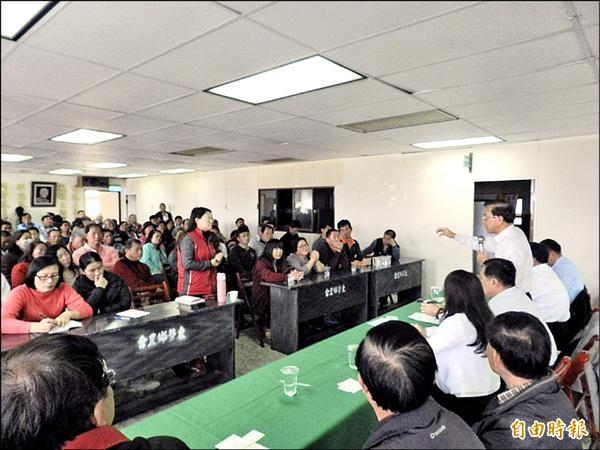 東勢鄉昨舉辦復養座談,鵝農要求設復養示範點。(記者鄭旭凱攝)