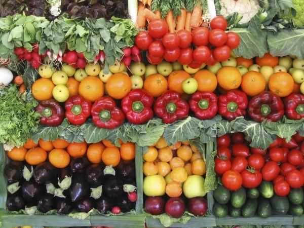 英國研究指出,男性若攝取殘留農藥過多的蔬果,精液品質將降低。(路透)