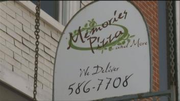 位於印第安納州的回憶披薩店(Memories Pizza)稱他們不會為同性戀婚禮提供披薩,引發網友撻伐。(圖擷自WNDU)