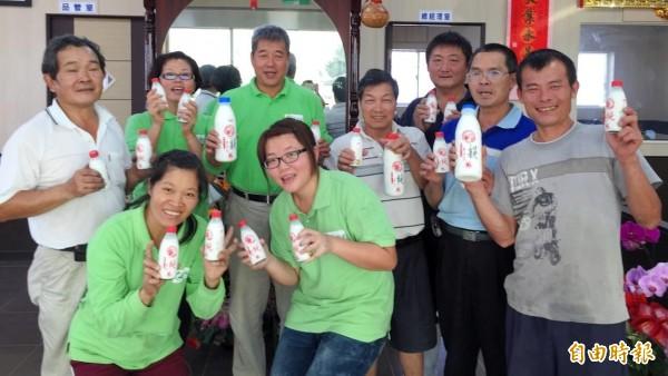 高雄10名酪農自創品牌「新生活」乳品。(記者陳文嬋攝)