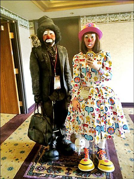 世界小丑大賽,周子汧、白純鳳小丑扮相。(圖:周子汧提供,文:記者葉永騫)