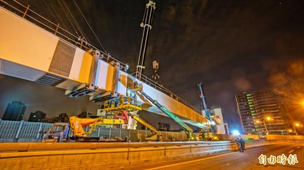 目前新北市的環狀捷運工程,規定只能在晚上23點到清晨6點施工,避開人潮壅塞時段,以免意外再度發生。(新北市政府交通局提供)