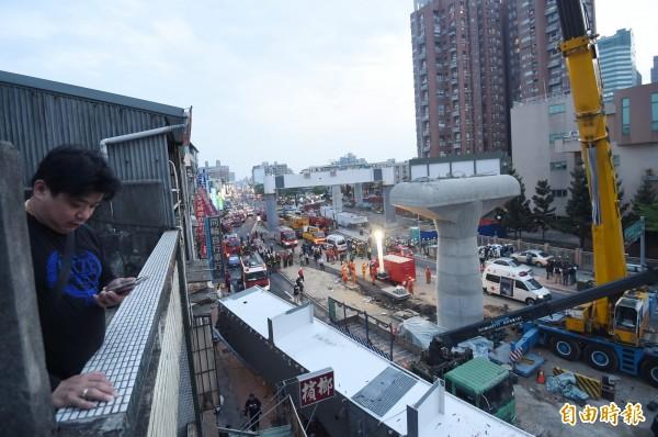 台中捷運文心北屯交叉路段昨天發生吊掛鋼樑掉落的意外,造成4死4傷。(資料照,記者廖耀東攝)