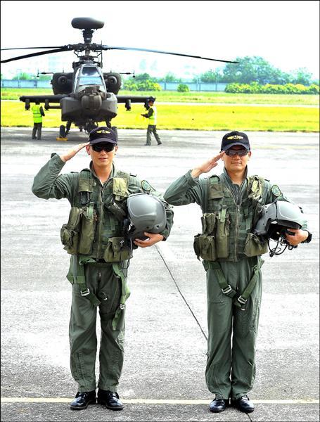 航特部編制龐大,軍方一度提出特戰部隊與航空部隊各自獨立的構想,但因各方角力,最後並未推動這項計畫。航特部編制龐大,軍方一度提出特戰部隊與航空部隊各自獨立的構想,但因各方角力,最後並未推動這項計畫。圖為阿帕契直升機部隊。(資料照)