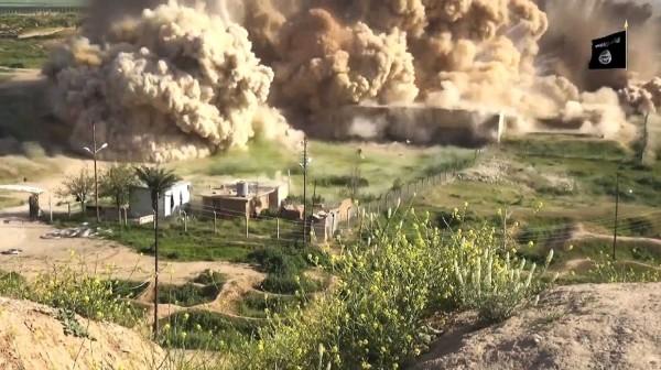 亞述古城尼姆魯德(Nimrud)遭伊斯蘭國摧毀,影片11日曝光。(法新社)