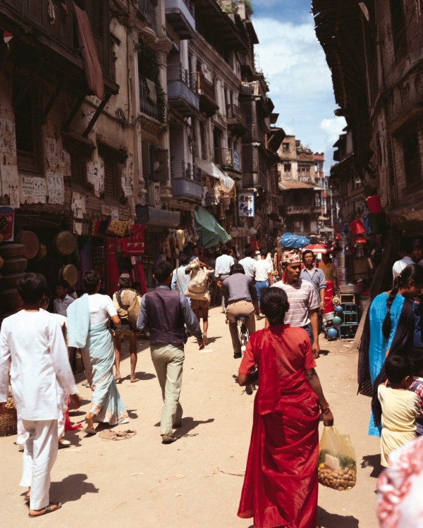印度一名16歲女孩慘遭家中男性毒手,被父親、叔叔甚至哥哥性侵長達兩年。日前她不堪受虐出面指控,警方已將3名男子逮捕。(情境圖)