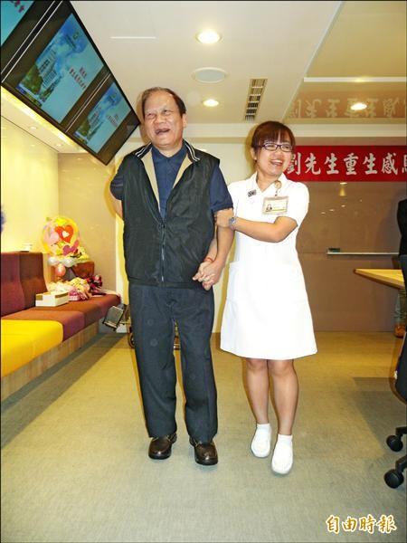 劉兆輝昨天出院,目前復元狀況良好,只需做點復健。(記者吳亮儀攝)
