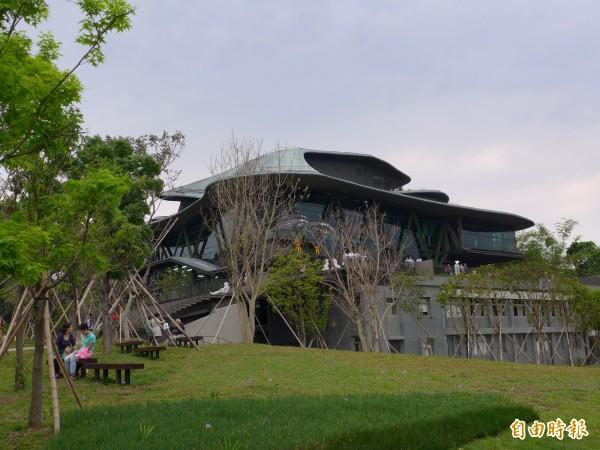 雲門舞集淡水文化藝術教育中心綠蔭環繞。(記者李雅雯攝)