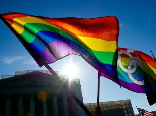 有51%的美國民眾認為,由於有許多州都已接受同性婚姻,若最高法院再禁止,是非常不切實際的判決,不過也有35%的民眾反對。(資料照,法新社)