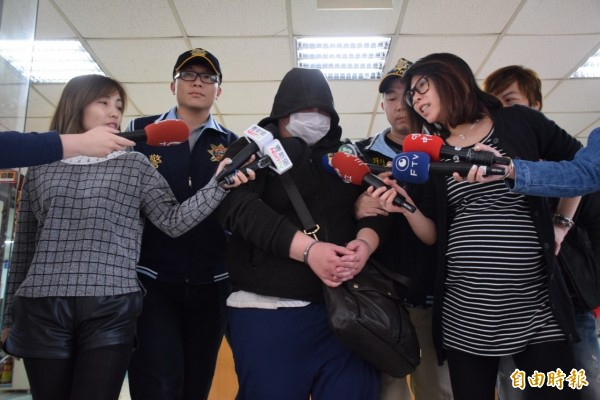 嫌犯蘇建華訊後被移送法辦。(記者曾健銘攝)