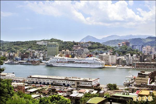 基隆市長林右昌表示將與港務公司合作推動微笑港灣。(記者盧賢秀攝)