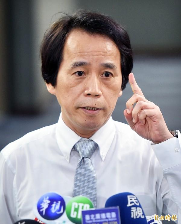 針對內政部次長陳純敬指大巨蛋驗證內容是遠雄在台北市副市長林欽榮營建署長任內申請,林欽榮23日舉行記者會回應。(記者方賓照攝)