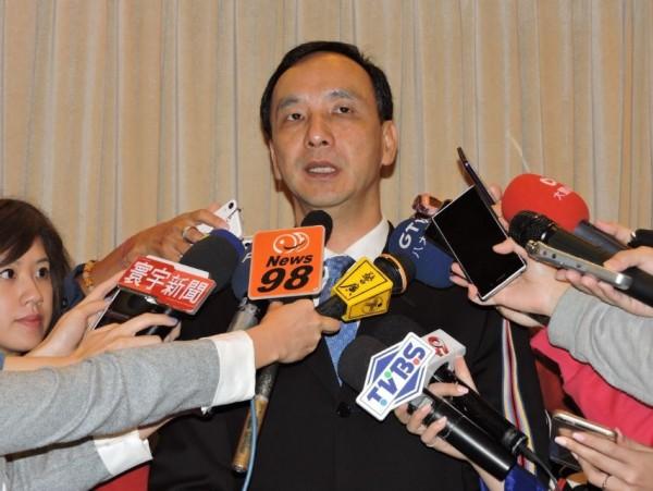 國民黨主席朱立倫今天表示,台灣民主自由已走向惡質循環情況,呼籲政府應立法針對網路言論嚴格要求。(資料照,記者賴筱桐攝)