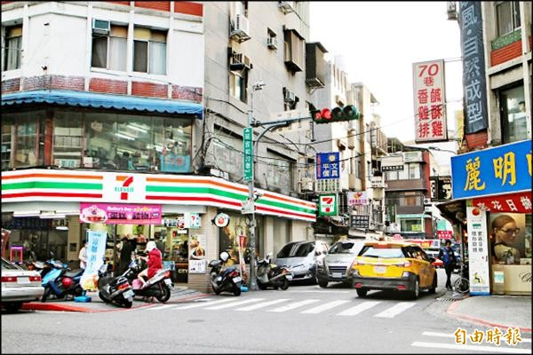 台北市交通大隊統計,三月拿下違停熱點「冠軍」的是延吉街七十巷二弄十號。(記者郭逸攝)