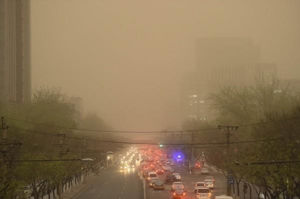 中國日前通過新規定,即日起將對天氣預報進行管控。(資料照,法新社)