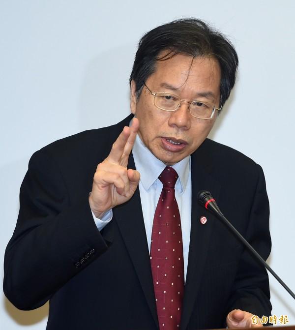 衛福部長蔣丙煌今(5日)上午受訪時表示,下一波稽查重點是大眾民生物資,包括麵粉、醬油等。(資料照,記者廖振輝攝)