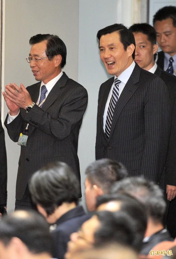 廉委會通過,建請市府將時任台北市長馬英九(右)及財政局長李述德(左)移送法務部偵辦。 (資料照,記者劉信德攝)