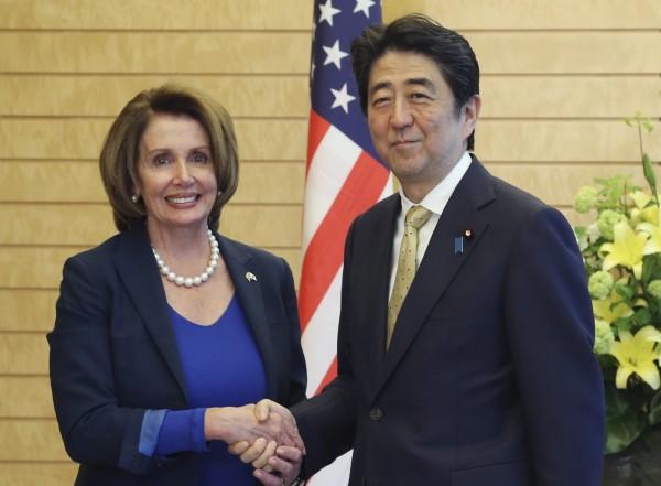 日本讀賣新聞舉行民調,發現日本有超過7成的民眾,都認同政府暫時不加入亞投行的決策。(歐新社)
