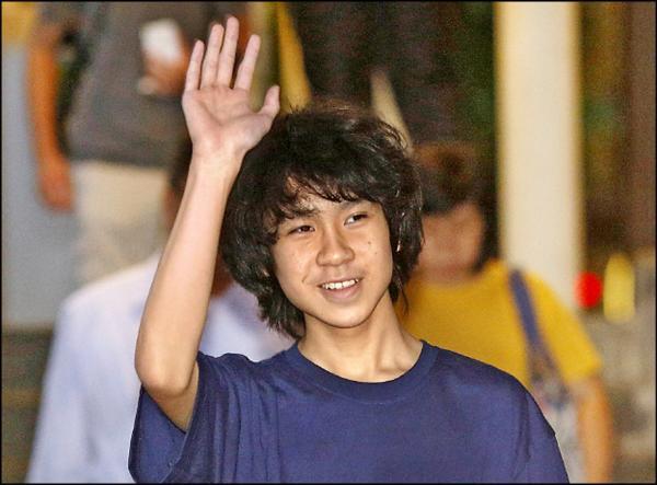 新加坡16歲少年余澎杉(Amos Yee)因拍片批評星國建國總理李光耀,12日被判有罪。(路透)