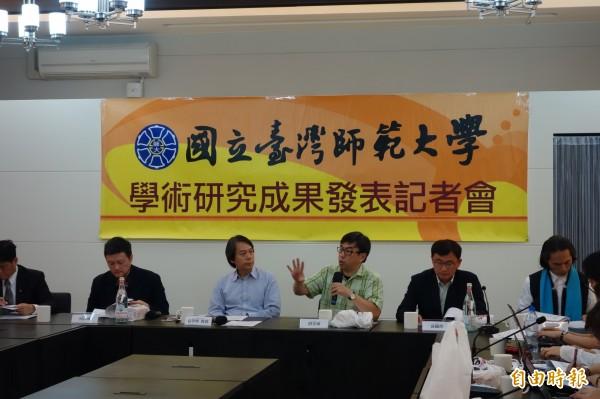 台灣師範大學發布「中央政府文化施政滿意度調查」,其中民眾支持文化施政主軸中,有高達38.1%的民意支持「台灣本土文化優先」,比去年的數字大幅成長了7.6%。(記者吳柏軒攝)