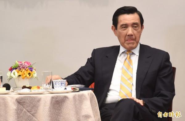 馬英九總統今天上午舉行就職7週年中外媒體記者會,特別舉李登輝提出的「兩國論」對台灣的傷害為例,強調歷史的教訓很清楚,兩岸關係和九二共識是相合而旺、相離則傷,相反則蕩。(記者劉信德攝)