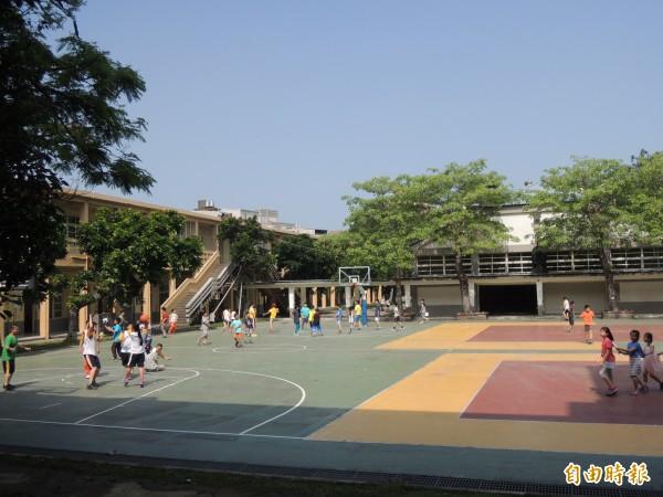 高雄市電子遊戲場業管理自治條例規定,新設電子遊戲場需距離學校、醫院直線距離1千公尺以上。(資料照,記者洪美秀攝)