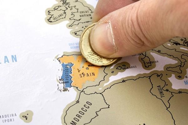刮刮樂世界地圖可以記錄每個去過的地方,刮除後就得知已經征服了哪些國家。(圖擷自網路)