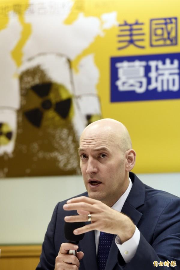 美國NRC前委員長葛瑞.亞滋寇首次訪台,並於21日舉行記者會說明他在福島核災中的所見所聞。(記者叢昌瑾攝)