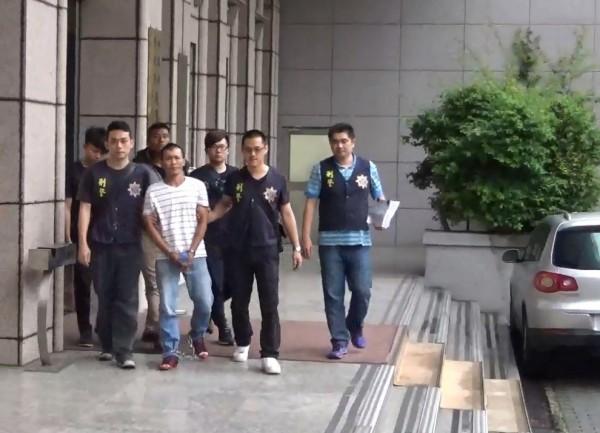 「小越南」陳富強等5人被移送檢方偵辦。(記者邱俊福翻攝)