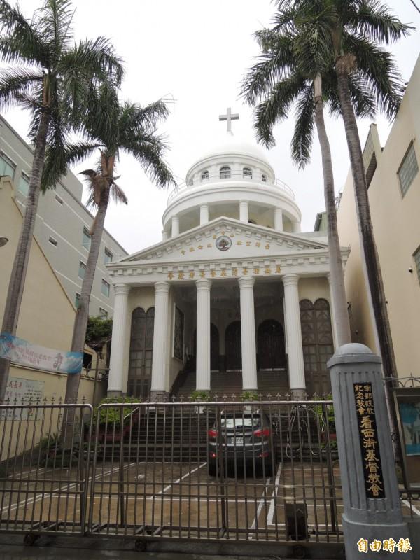 基督教首位來台宣教馬雅各醫師,即在現今的看西街教會附近,開啟醫療宣教。(記者洪瑞琴攝)