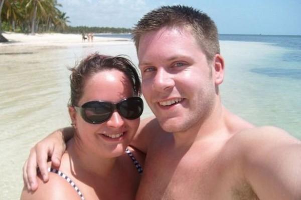 克萊兒因為自己體重過重,還拒絕男友史帝芬的求婚。(圖擷自《鏡報》)