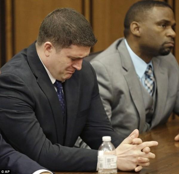 31歲警察布列洛到庭聽判,神情緊張。(美聯社)
