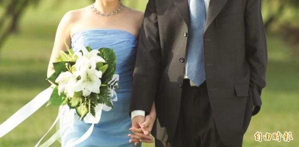 女律師感嘆自己雖學法律,但礙於傳統而沒簽婚前協議,導致離婚後仍有許多糾紛。(圖為情境照,非當事人)