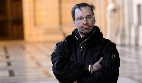 賈加特把他被前女友受虐的過程出書。(圖片擷取自BBC)