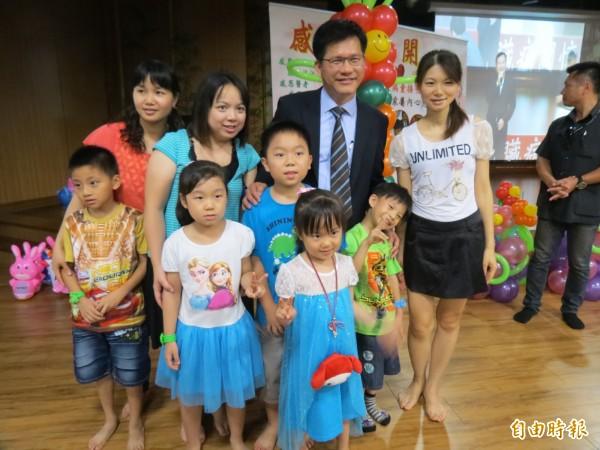 林佳龍承諾將擴大到小學高年級或國一也辦心臟超音波篩檢,盼確保學童心臟健康。(記者蘇孟娟攝)
