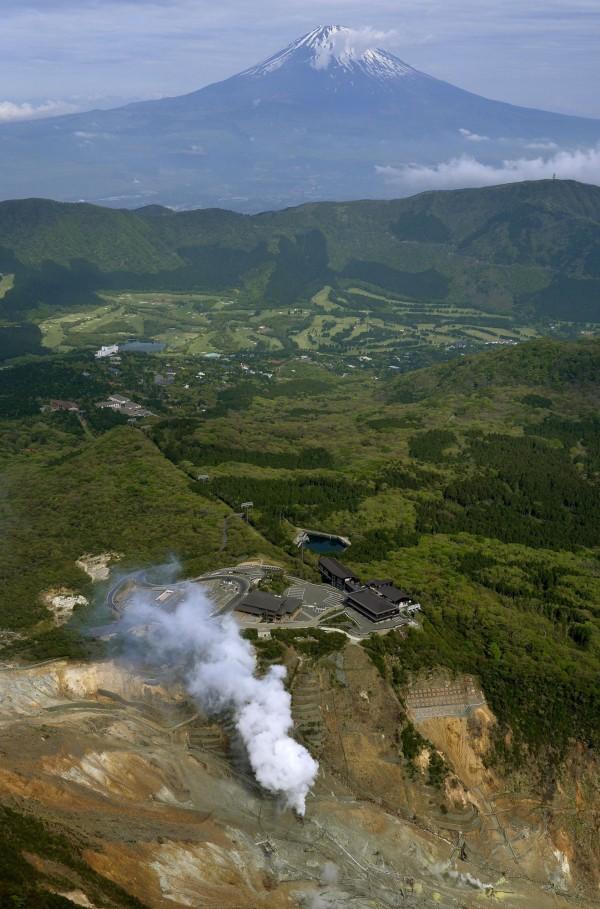 日本氣象廳今(5日)指出,箱根山大涌谷高溫蒸氣噴發情況有趨緩,不過仍不會降低警戒層級。圖為資料照。(美聯社)