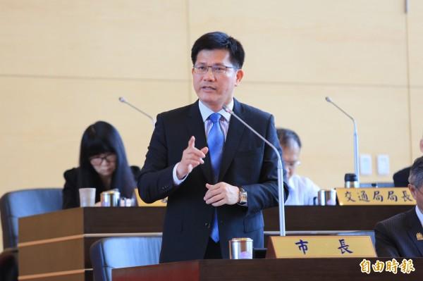 台中市長林佳龍呼籲教育部,不要強推課綱,不要違反程序正義。(記者黃鐘山攝)