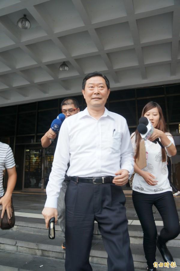 王燕軍今天下午以被害人身分到台北地檢署出庭。(記者錢利忠攝)