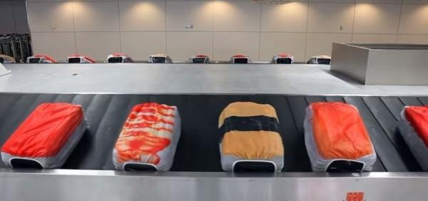 日本業者設計趣味行李套,把行李變成握壽司,成為人氣商品。(圖片擷取自パルコアラチャンネル的YouTube)