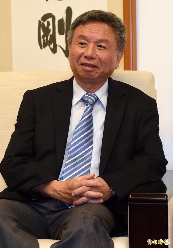 前衛生署長楊志良認為,「早就預測洪秀柱會過30%門檻」,指出因為國民黨不按程序再走,反而會幫了洪秀柱過關。(資料照,記者簡榮豐攝)
