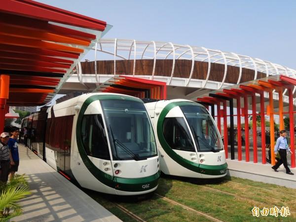 高雄輕軌將在8月試營運,預定明年中旬以前都將開放民眾免費試乘。(資料照,記者葛祐豪攝)