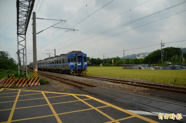 台鐵列車。(資料照,記者顏宏駿攝)