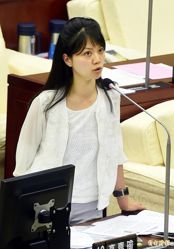 台北市議員高嘉瑜要求正視中國遊客遊覽車交通違規問題。(資料照,記者方賓照攝)