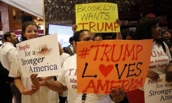 美國房地產大亨川普16日宣布參選總統,支持者熱烈歡迎。(路透)