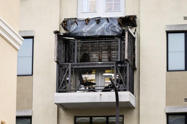 美國加州柏克萊市(Berkeley)16日凌晨發生公寓陽台倒塌事故,造成6名大學生死亡,另有7人受傷。(路透)